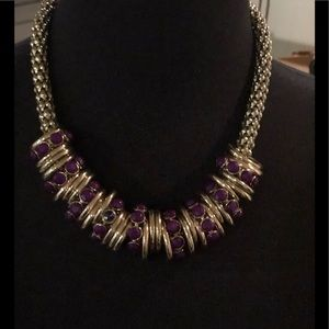 Jewelry - Burgundy and gold necklace